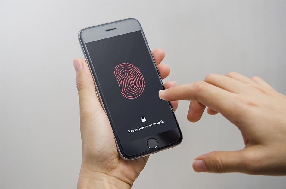How Safe is Fingerprint Scanning on our Phones?