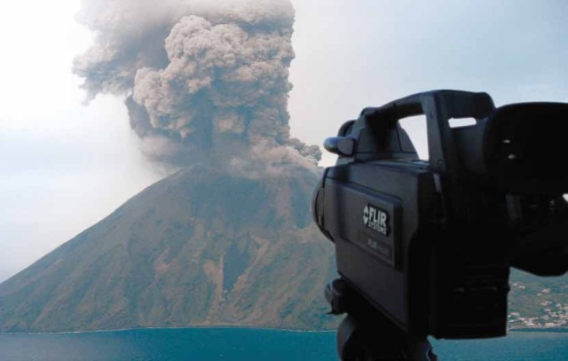 Studying Volcanoes and Volcanic Activity with FLIR Thermal Imaging Cameras
