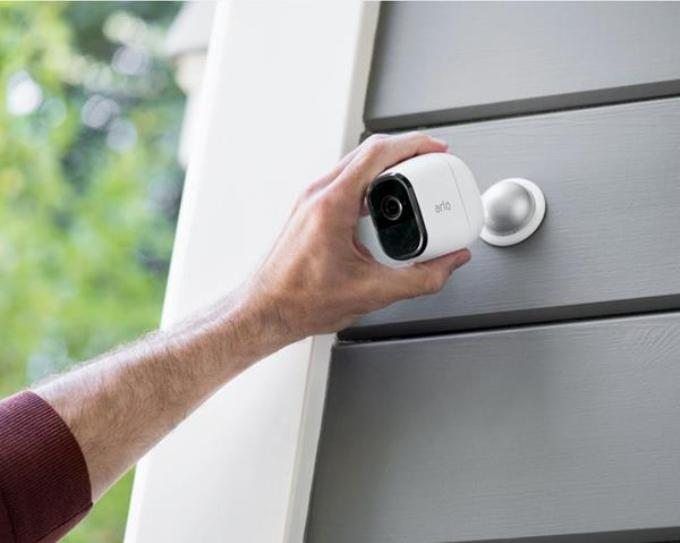 Netgear Unveils Arlo Pro Wire Free Hd Security Camera Systems