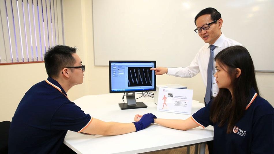 Smart, Ultra-Thin Microfiber Sensor for Monitoring of Vital Signs and Bandage Pressure Sensing